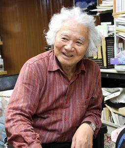 白籏史朗(しらはた・しろう)さん 1933年大月市生まれ。東京都新宿区在住。51年に写真家・岡田紅陽に弟子入り。77年に日本写真協会年度賞を受賞。山岳写真の会「白い峰」主宰、NPO法人日本高山植物保護協会会長。早川町奈良田の「南アルプス山岳記念館・白籏史朗記念館」など多数の写真館がある。