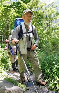 日本百名山をすべて登頂し、2度目の北岳登頂を目指す春原聡博さん=南アルプス・広河原付近