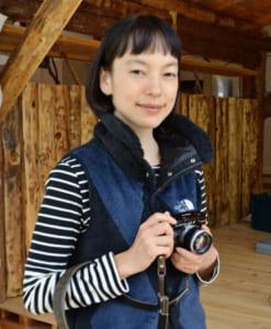 KIKI(キキ)さん 東京都出身。モデル、女優。武蔵野美術大造形学部建築学科卒。写真展「PRISMA」シリーズを展開するほか、月刊文芸誌「小説幻冬」(幻冬舎)で書評を連載している。著書に「美しい山を旅して」(平凡社)、「山が大好きになる練習帳」(雷鳥社)、「山・音・色」(山と渓谷社)などがある。