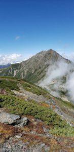 中白根峰から北岳(9月26日撮影)